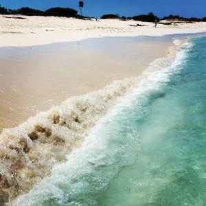 grace bay beach wave
